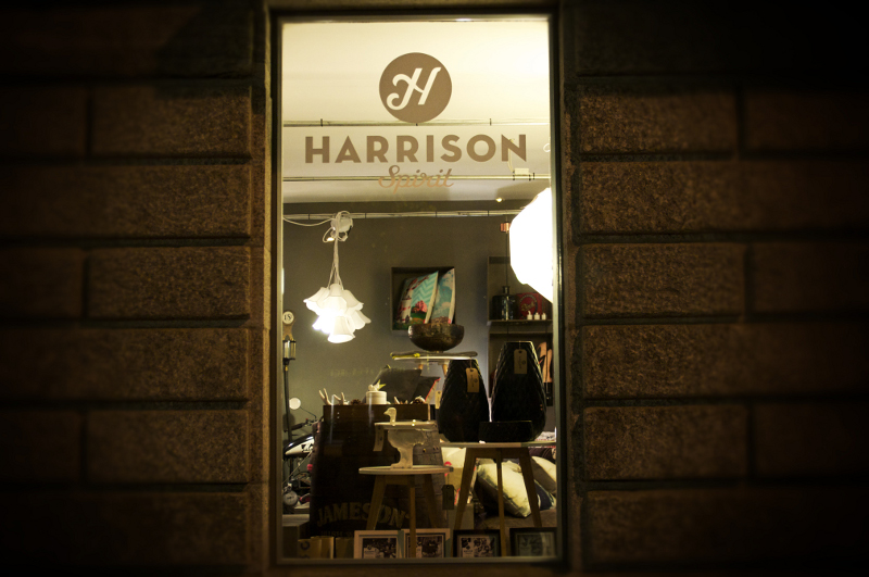 the-harrison-spirit-eingang-fenster