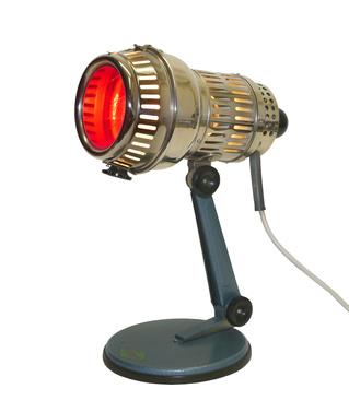 alte Rotlichtlampe Bauhaus Design um 1940