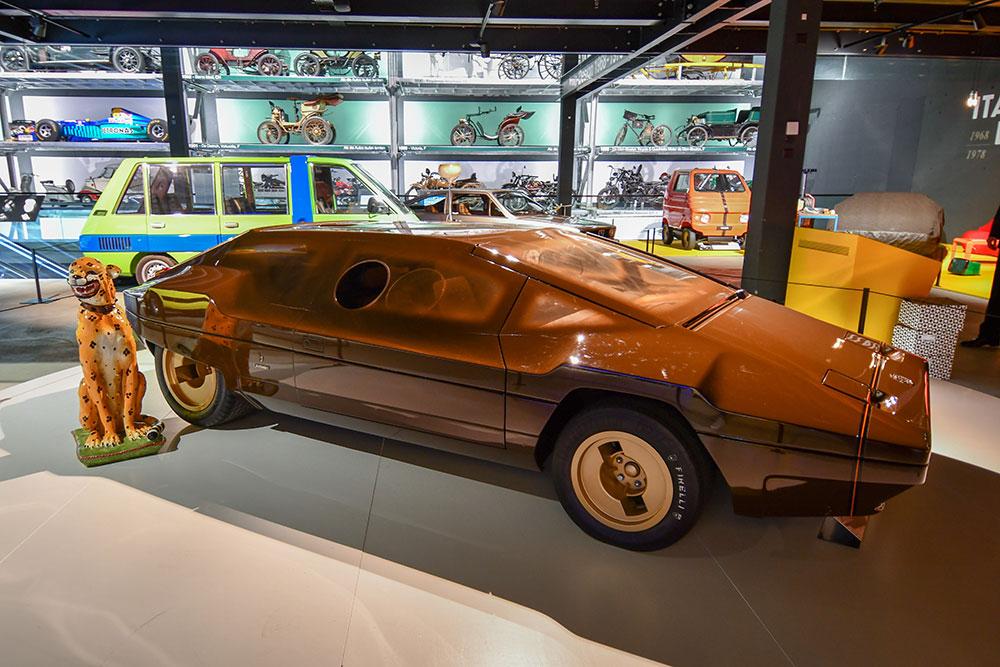 Accende ist Beleuchtungspartner der Ausstellung «Italo Design 1968−1978» im Verkehrshaus Luzern: Lancia Sibilo