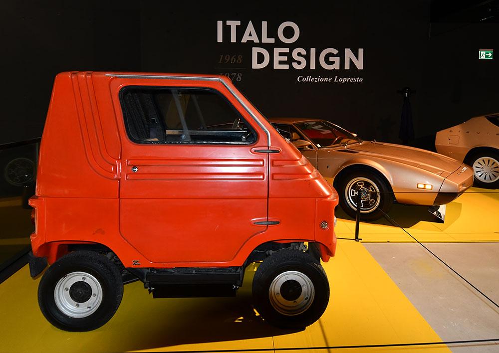 Accende ist Beleuchtungspartner der Ausstellung «Italo Design 1968−1978» im Verkehrshaus Luzern: Zagato Zele 1000